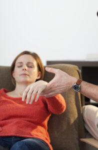 Лечение гипнозом психических заболеваний